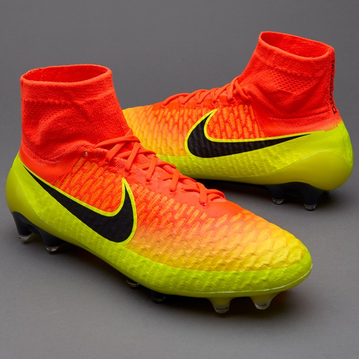 51604d039324 Exclusive: Nike Magista 2014 Unboxing & Try On by freekickerz - YouTube