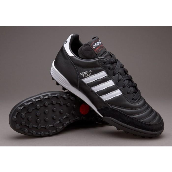 cerco scarpe da calcio