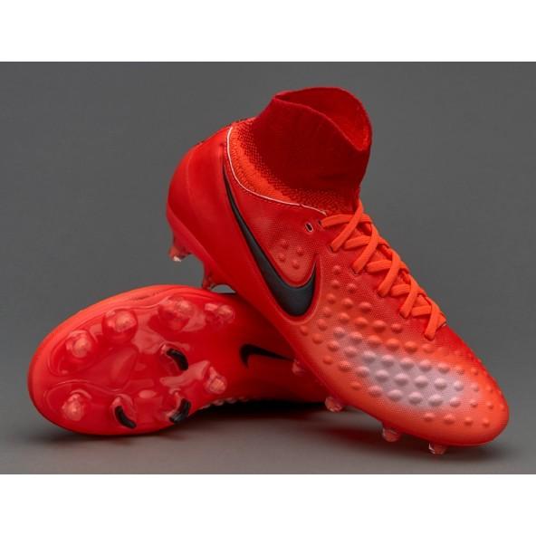 Risultati ricerca per   scarpe da calcio con calzino da bambino  ab0268628f9