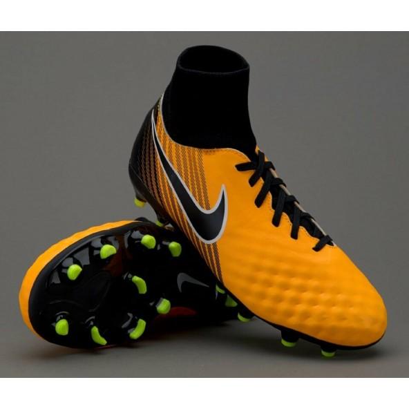 Risultati ricerca per   Nike neymar hypervenom con calzino  f00b4fa48ba